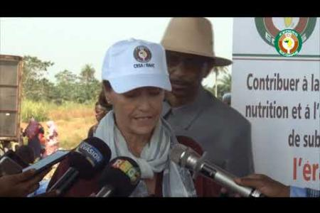 Embedded thumbnail for Campagne de vaccination de masse contre la peste des petits ruminants en Guinée, au Libéria et en Sierra Leone